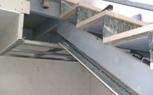 rivestimento scala cartongesso1 300x186 - rivestimento-scala-cartongesso1